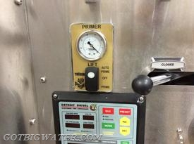 The automatic air primer's new control panel includes this vacuum gauge that is graduated in feet of lift - a great feature when drafting!