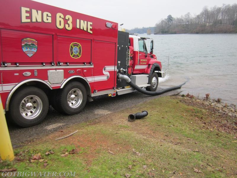 Westminster Engine 63 (1500 gpm) drafted from Lake Keowee and loaded tankers at a rate of 1,000 fpm.