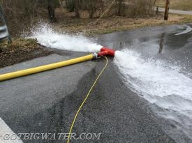 A Hose Monster flow diffuser with fixed pitot was used to record the flow.