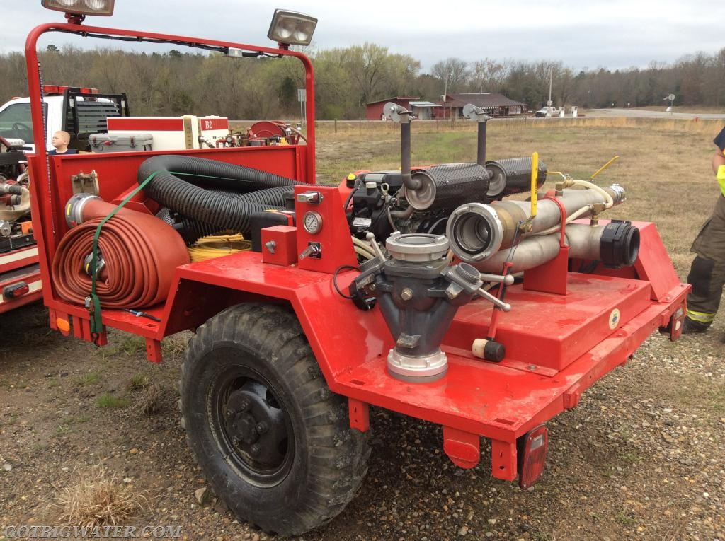 Ringold VFD's trailer-mount pumping system can easily support a 1,000 gpm flow for loading tankers.