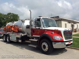 Tanker 15-85 carries twin, 3000-gallon dump tanks.