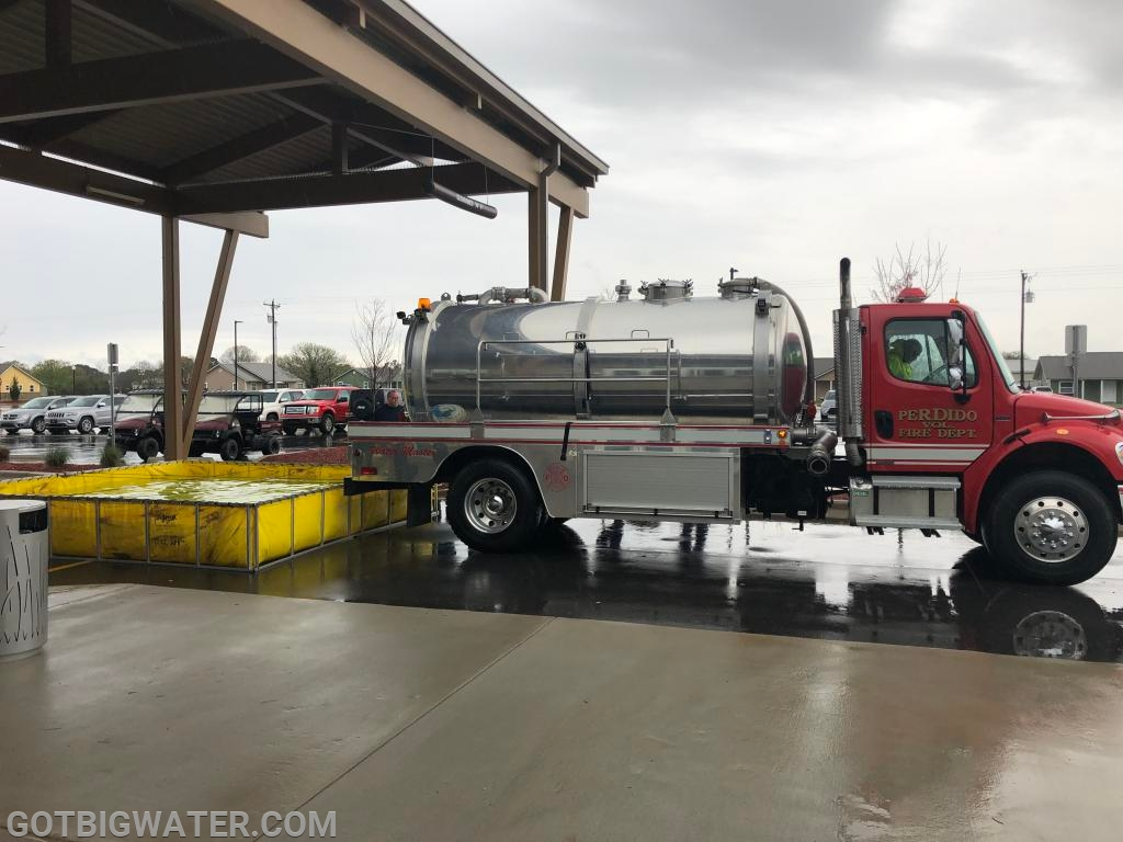 The crew provided a demo of the 2500-gal vacuum tanker's capabilities.