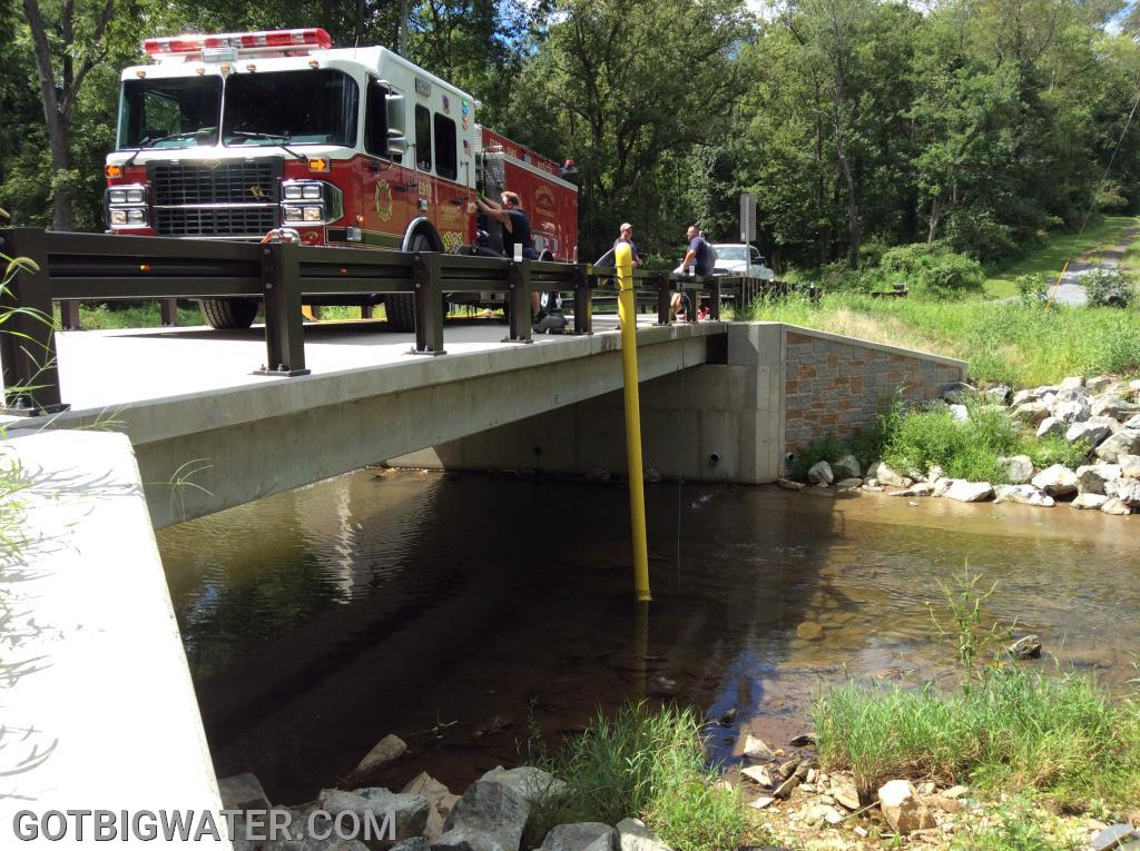Darlington Engine 913 drafts and flows 1200+gpm from the newly installed bridge mount DFH along Broad Creek.
