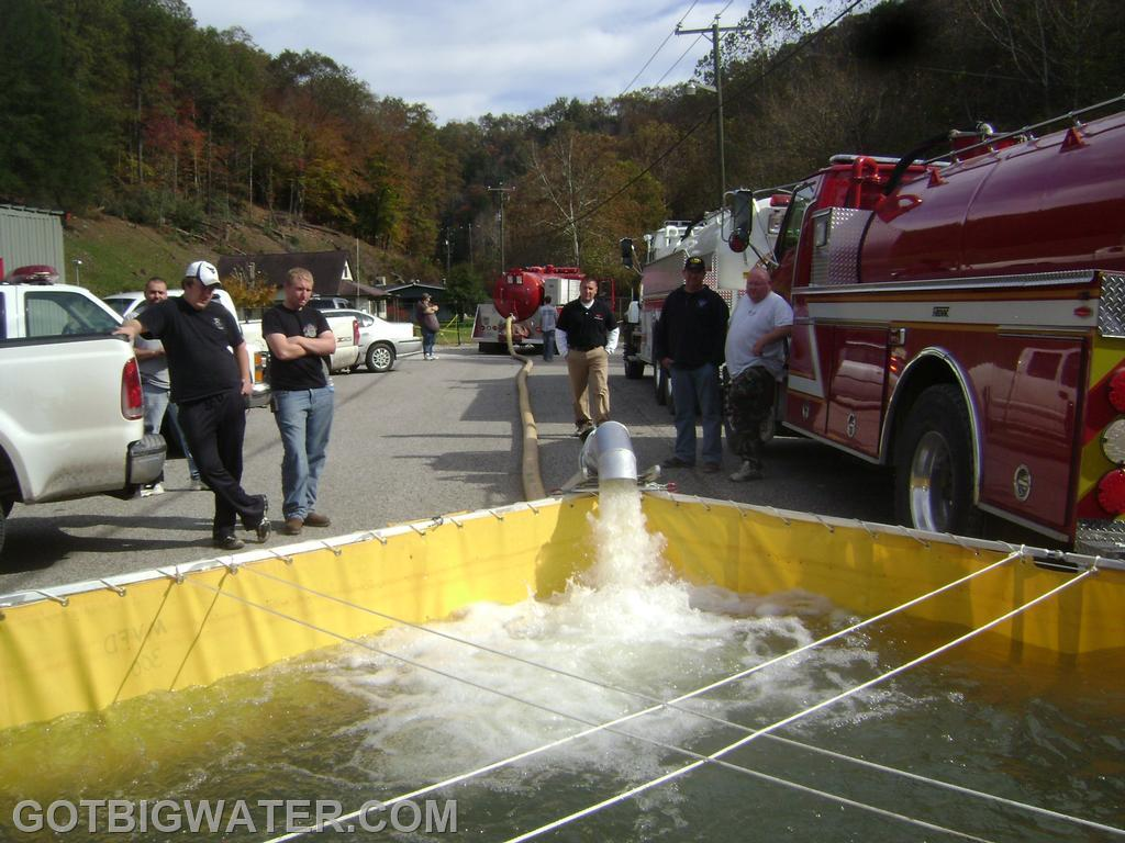 The 2000-gallon vacuum tanker off-loaded all of its water in 2.17-minutes for a rate of 922 gpm.