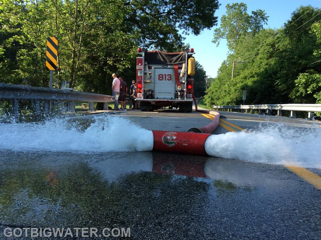 Engine 813 flows 1,093 gpm during the flow test.